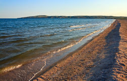 海岸线含沙海运夏天 免版税图库摄影
