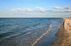 海岸线含沙海运夏天 库存照片
