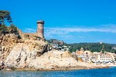 海岸线和古老堡垒在Tossa de 3月 肋前缘Brava,温泉 库存照片
