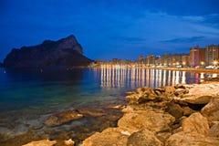 海岸线晚上视图  免版税库存图片