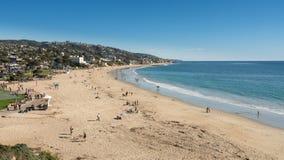 海岸线的看法在拉古纳海滩的在加利福尼亚 库存图片