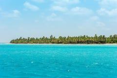 海岸线的看法在Bayahibe, La Altagracia,多米尼加共和国 复制文本的空间 库存图片