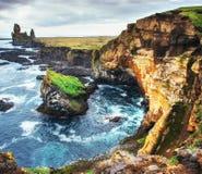 海岸线风景看法在Arnarstapi冰岛的 免版税库存图片