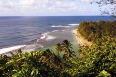 海岸线na俯视的pali 库存图片