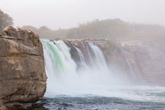 海岸落海岛mariua maruia新的河南瀑布西方西兰 免版税库存图片