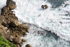 海峭壁和奇怪的形状在巴厘岛 库存图片