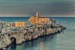 海峭壁的老镇 免版税库存照片