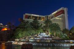 海市蜃楼旅馆瀑布在拉斯维加斯, 2013年6月05日的NV 库存图片