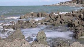 海挥动岩石海洋水 股票录像