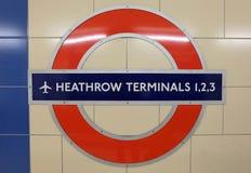 海斯罗机场地铁标志 免版税库存照片