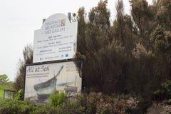 海斯廷斯博物馆和美术画廊信息标志 免版税图库摄影