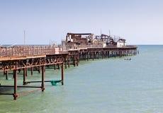 海斯廷斯码头,在2010年10月被烧了下来 免版税图库摄影