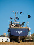 海斯廷斯,东部SUSSEX/UK - 11月06日:在是的渔船 库存图片