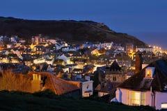 海斯廷斯,英国在晚上照亮了 免版税库存图片