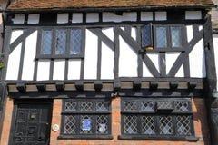 海斯廷斯,英国- 2015年6月27日:16世纪用木材建造被构筑的和中世纪房子在海斯廷斯老镇 免版税库存照片