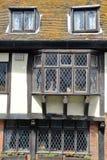 海斯廷斯,英国- 2015年6月28日:16世纪用木材建造被构筑的和中世纪房子在海斯廷斯老镇 免版税库存照片