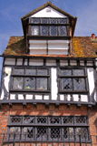 海斯廷斯,英国- 2013年6月15日:16世纪用木材建造被构筑的和中世纪房子在海斯廷斯老镇 库存图片