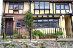 海斯廷斯,英国- 2017年7月22日:16世纪用木材建造被构筑的和中世纪房子在海斯廷斯老镇 图库摄影