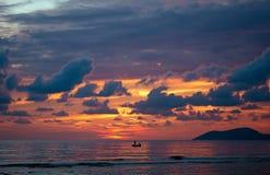 海日落在亚得里亚海和离子海 库存照片