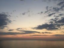 海日落视图 美好的夜间日落 Meditterian海 库存图片