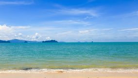 海明亮的蓝天 库存照片
