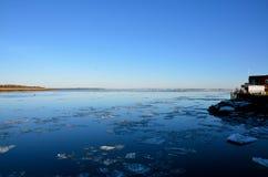 海是和平的一个地方在冬天在新英格兰 库存图片