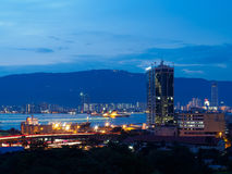 从海景公寓房的都市风景巴特沃思和槟榔岛,马来西亚视图 免版税库存照片