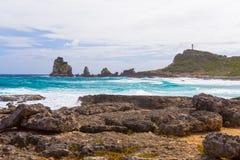 海景在Pointe des大别墅的一个大风天在瓜德罗普 免版税图库摄影