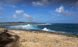 海景在Pointe des大别墅的一个大风天在瓜德罗普 库存照片