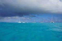 海景海表面风船多云天空太平洋 图库摄影