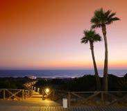 海景美丽如画的看法在晚上 免版税库存图片