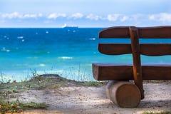 海景长凳 免版税库存照片