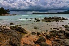 海景,隐约地出现的风暴 库存照片