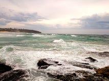 海景@卷毛卷毛海滩, NSW澳大利亚 免版税库存图片