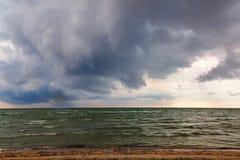 海景 海,与暴风云的天空 免版税库存图片