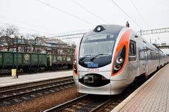 海氏,乌克兰- 2018年7月24日:火车在铁路的现代Rotem 免版税库存图片