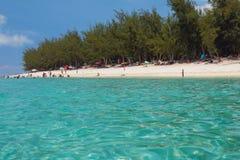海水和沙滩 盐水湖偏僻寺院,团聚 免版税图库摄影