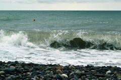 海水照片的强有力的波浪 免版税库存照片
