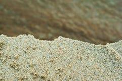 海沙,岸沙子,色的沙子 库存照片