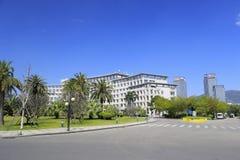 海沧区政府大厦在蓝天下 库存照片