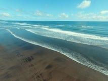 海波浪和海滩2 图库摄影