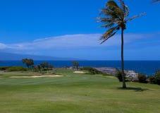 海洋和从高尔夫球场的Laina海岛视图  库存图片