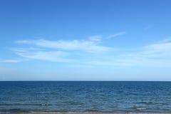 海洋和天空 免版税库存照片