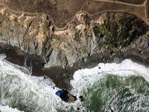 海洋和索诺马海岸线鸟瞰图在加利福尼亚 免版税库存照片