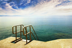 海洋池游泳 免版税库存照片