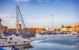 海洋港口在意大利老镇里窝那 图库摄影