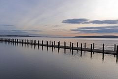 海洋湖堤道 库存图片