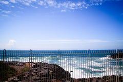 海浪和蓝天 库存图片