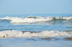 海浪在金奈印度 免版税图库摄影