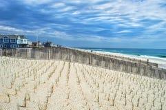 海浪城市视图 免版税库存照片